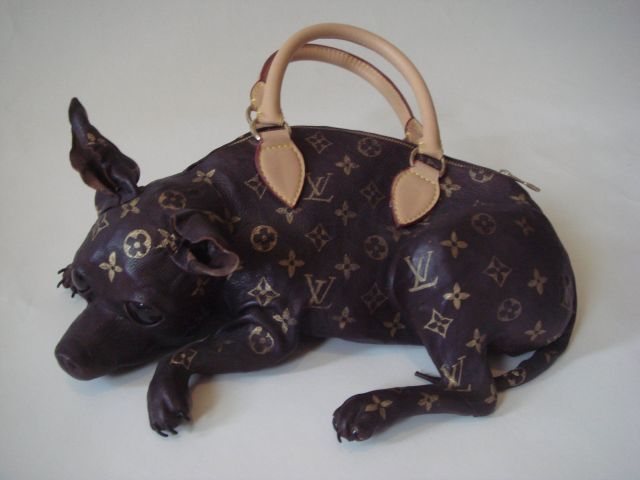 The Most Disturbing Handbag Ever (4 pics)