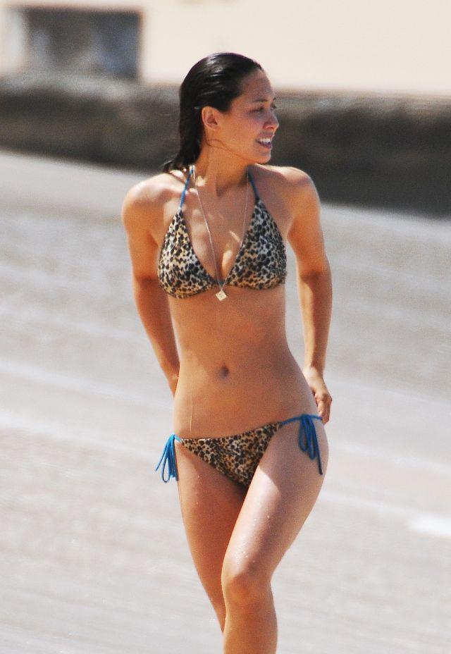 Hot Bikini Pictures of Myleene Klass (11 pics)