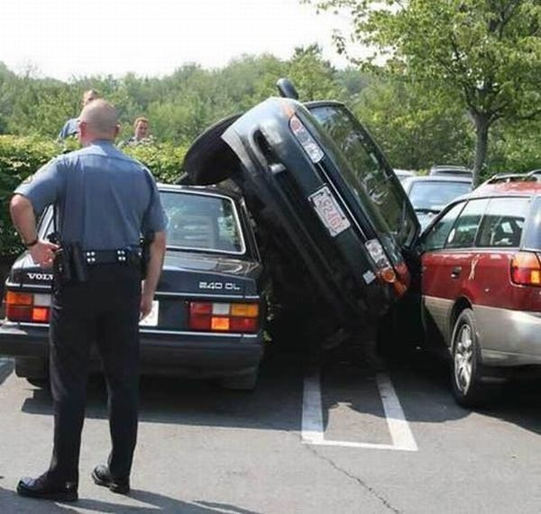 Unique Vehicle Situations (40 pics)
