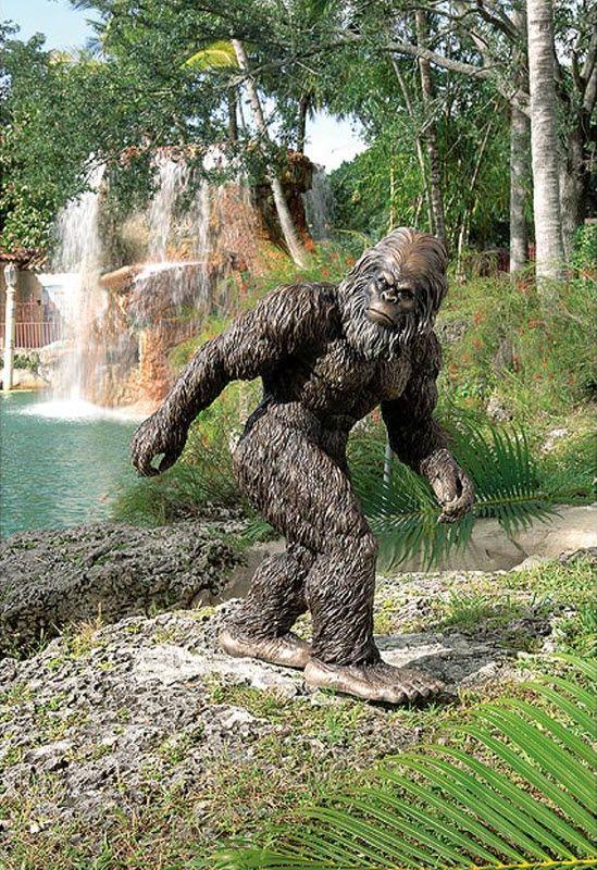 Weird And Unusual Garden Sculptures 16 Pics Izismile Com