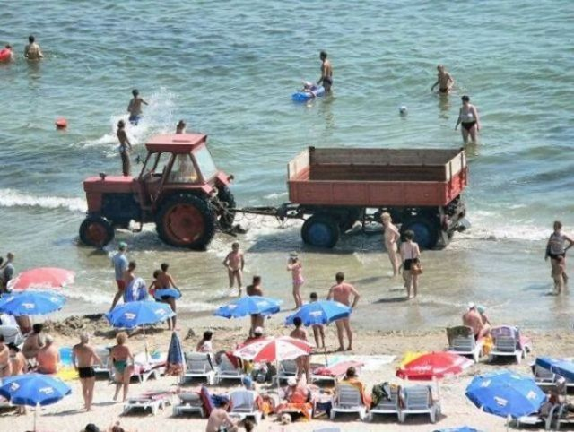 Funny Tractor Fail Photos (32 pics)