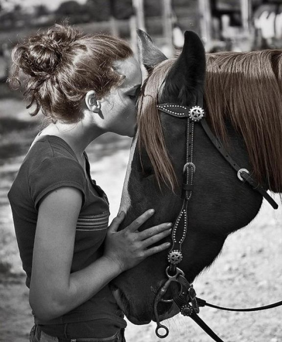 Love in 'Black and White' (36 pics)
