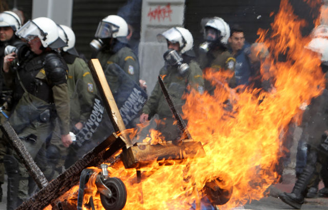 The Worst Violence That Greece has Known since Last Year (22 pics)