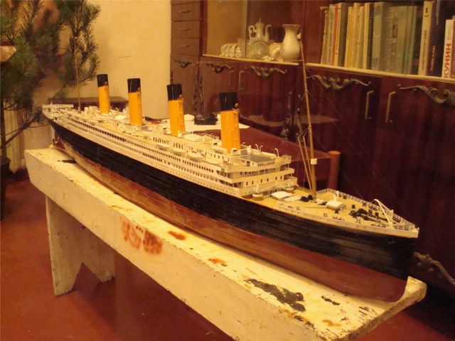 Titanic Made From Paper (27 pics)