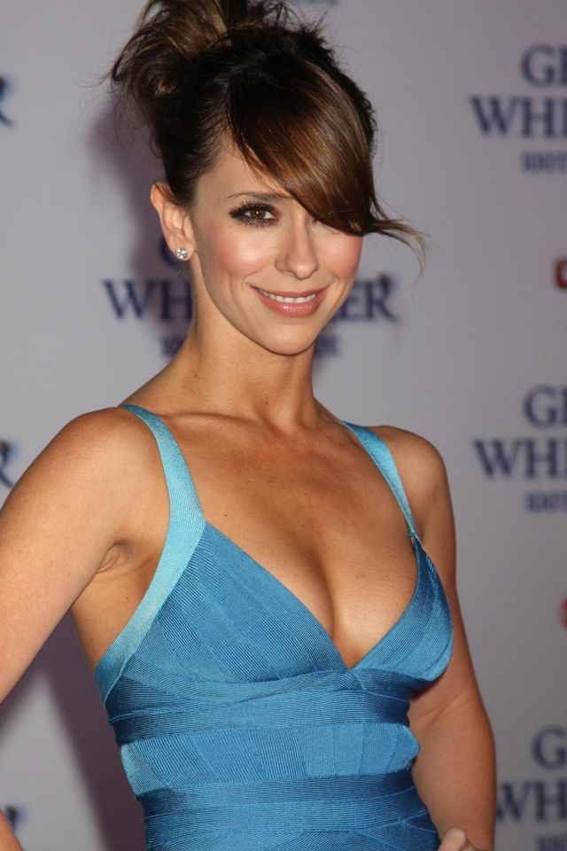 Jennifer Love Hewitt Is Still So Hot and Fresh (9 pics)