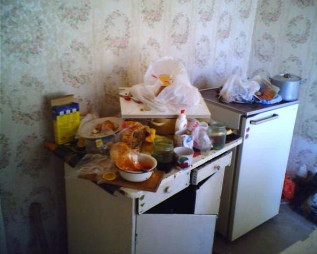 How Russian Single Men Live (15 pics)