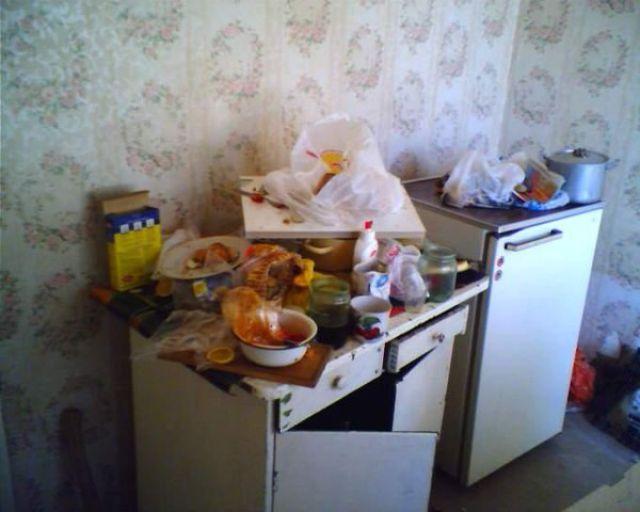 How Russian Single Men Live (15 pics)
