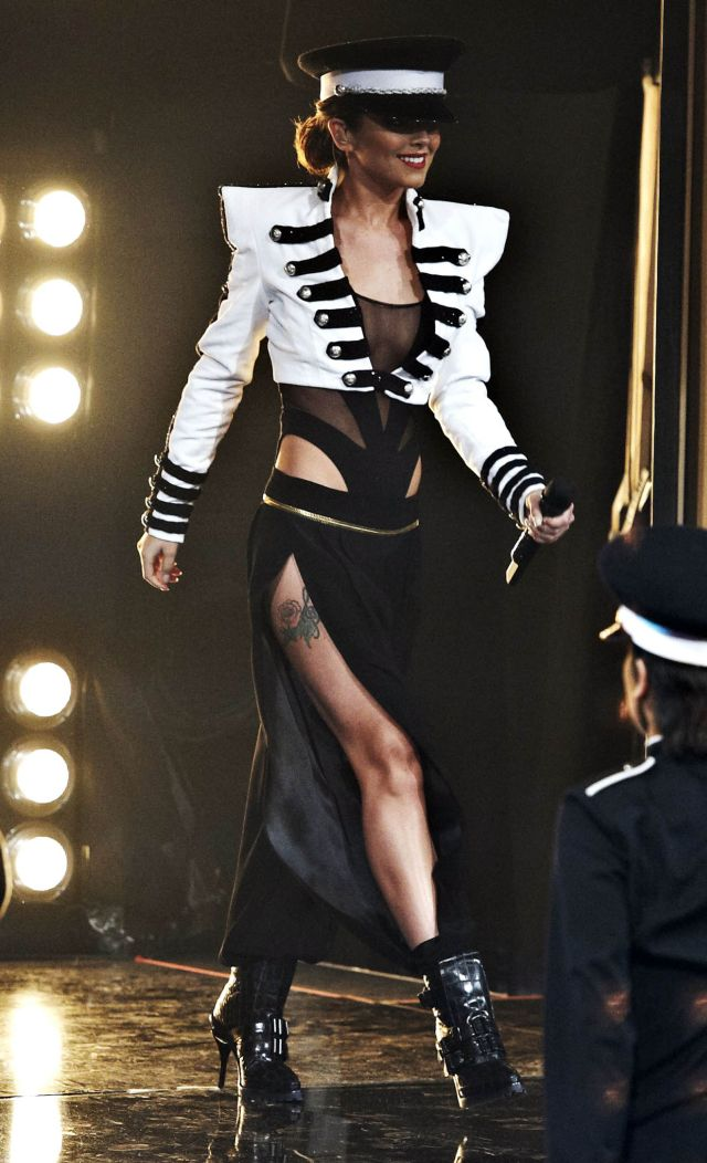 Sexy X Factor Judge Cheryl Cole Is a Stunner (10 pics)
