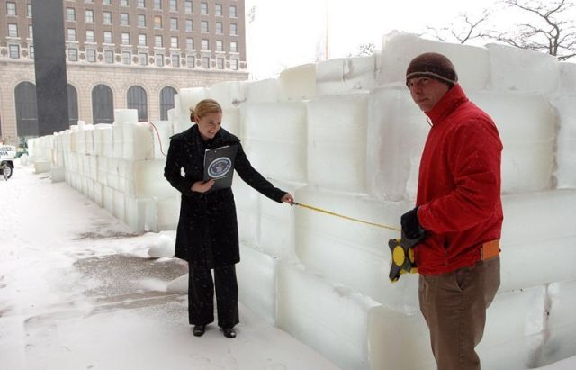 The Largest Ice Labyrinth in the World (20 pics)