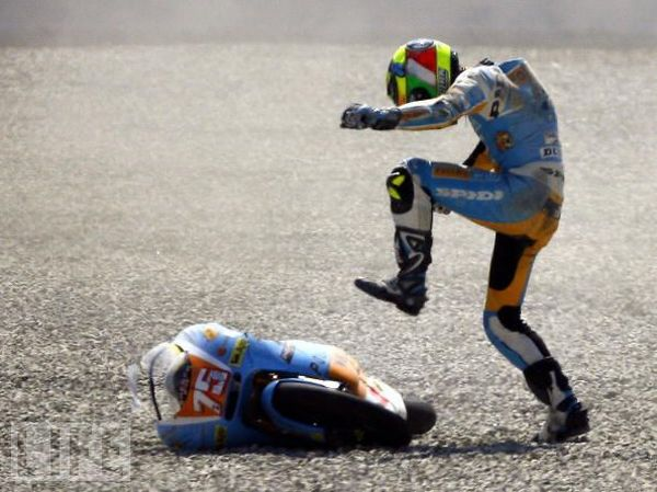 Motorcycle Crashes Galore (26 pics)