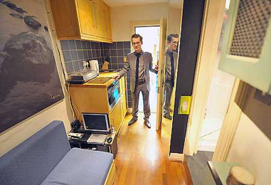 Broom Closet That Costs £200,000 (7 pics)
