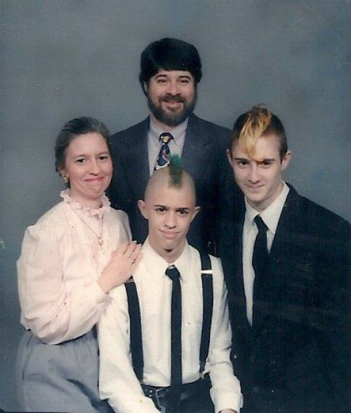 Awkward family photos. Part 3 (53 pics)