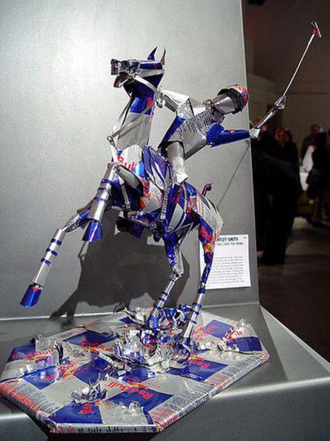 Unbelievable Can Sculptures (23 pics)