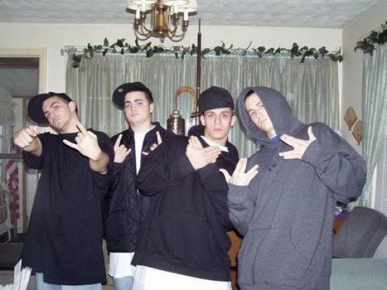 Internet Gangstas… (45 pics)
