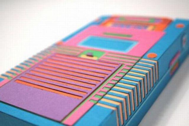 Carboard Nintendo Gameboy (15 pics)