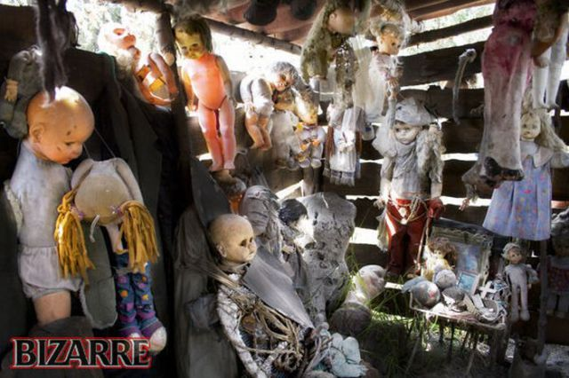 Island of Dolls in Mexico (17 pics)