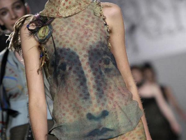 Fashion Show or Halloween? (18 pics)