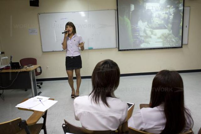 University for Ladyboys (18 pics)