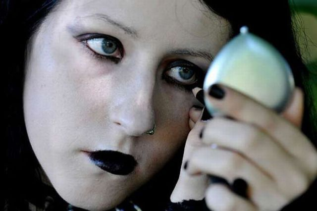 New Goths' Fashion (24 pics)