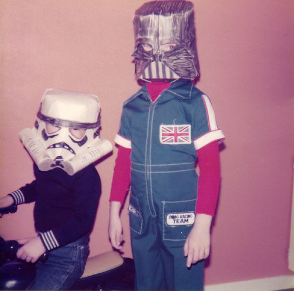 Low Budget Star Wars Costumes (11 pics)