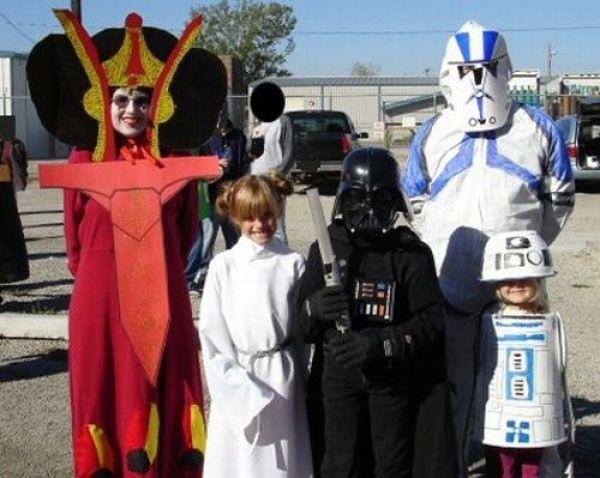 Low Budget Star Wars Costumes 11 Pics Picture 8 Izismile Com