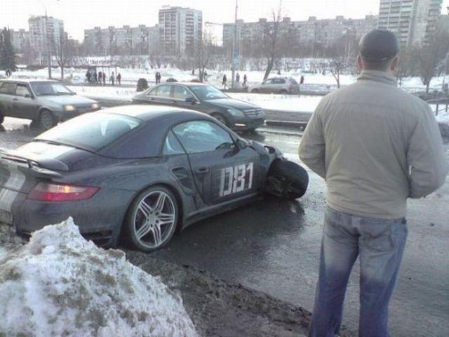 One Messed Up Porsche (7 pics)