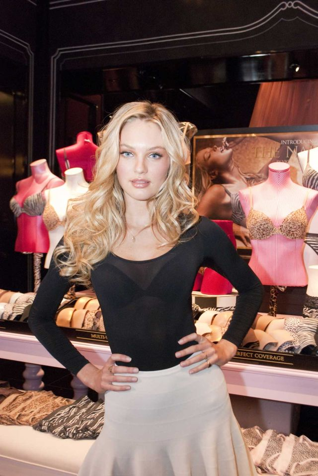 Candice Swanepoel, Beautiful and Charming (9 pics)