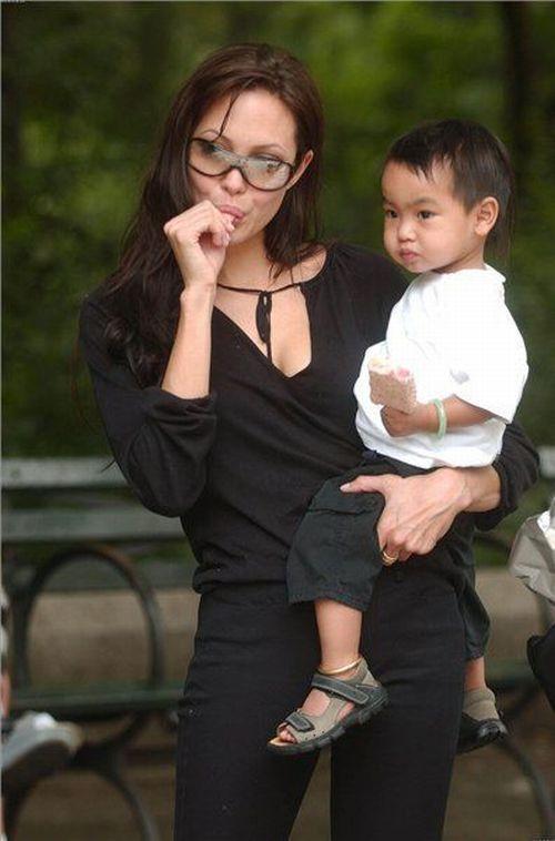 Angelina Jolie Can Be Soooo Funny! (56 pics)