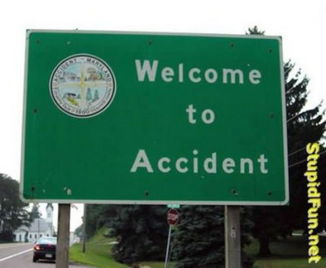Hilarious City Signs (18 pics)