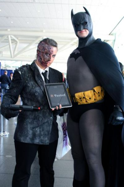 One iPad for All WonderCon Visitors (60 pics)