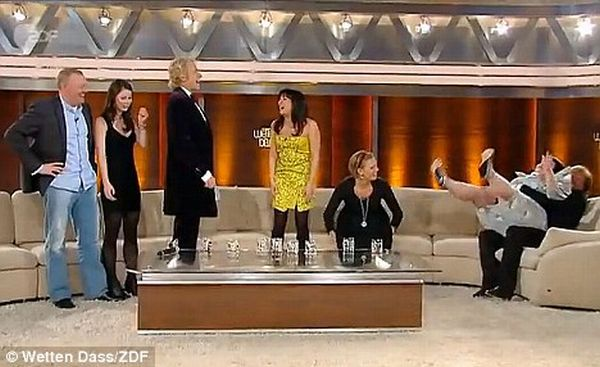 Beth Ditto Having Fun at One Austrian Show (6 pics)