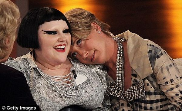 Beth Ditto Having Fun at One Austrian Show (6 pics)
