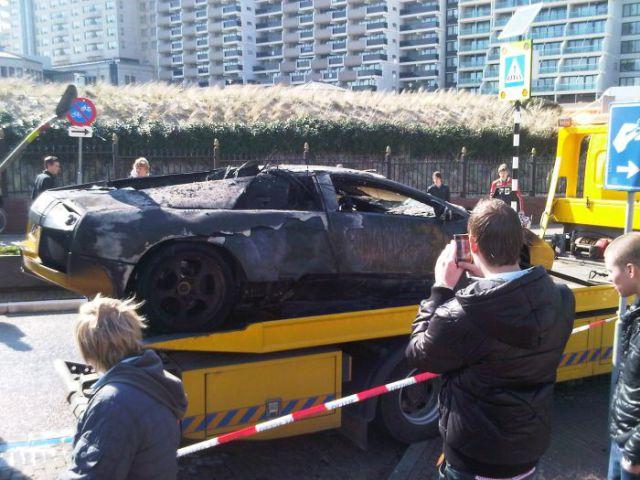 Another Ruined Lamborghini (13 pics)