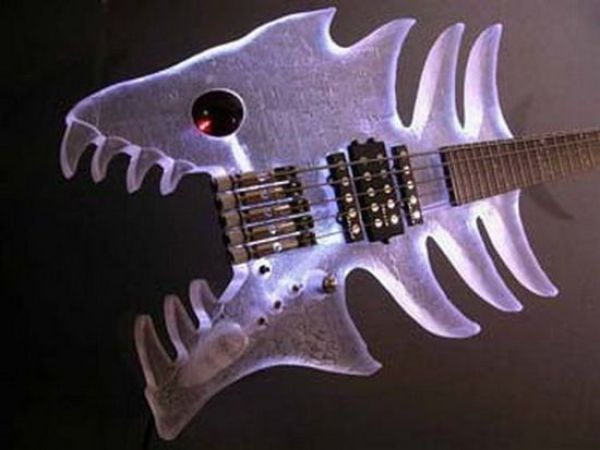 Crazy Guitar Shapes (27 pics)
