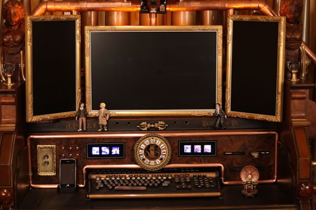 Steampunk Computer Made from Antique Organ (12 pics)