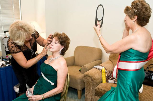 Grannies Competing for Ms. Senior America (30 pics)