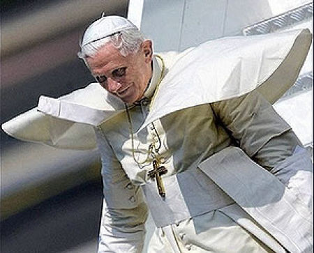 A Most Evil Pope (12 pics)