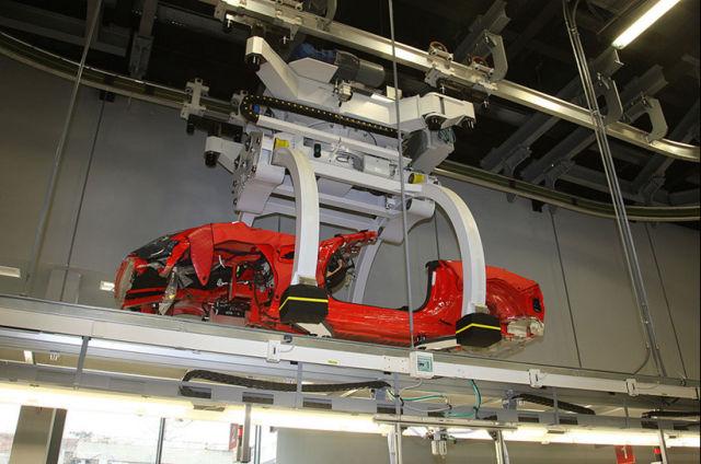Peering Inside Ferrari Plant (35 pics)