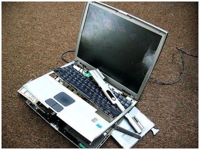 Smashed Laptops (19 pics)