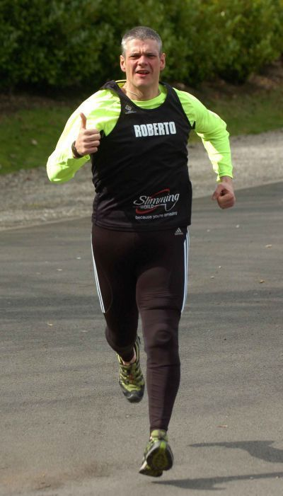 Obese Father Loses Incredible Amount of Weight to Run in Marathon (17 pics)