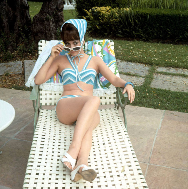Celebrity Retro Photos (49 pics)