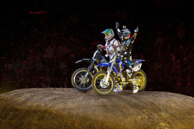 Wild X-Fighters at Red Bull Show 2010 (21 pics)