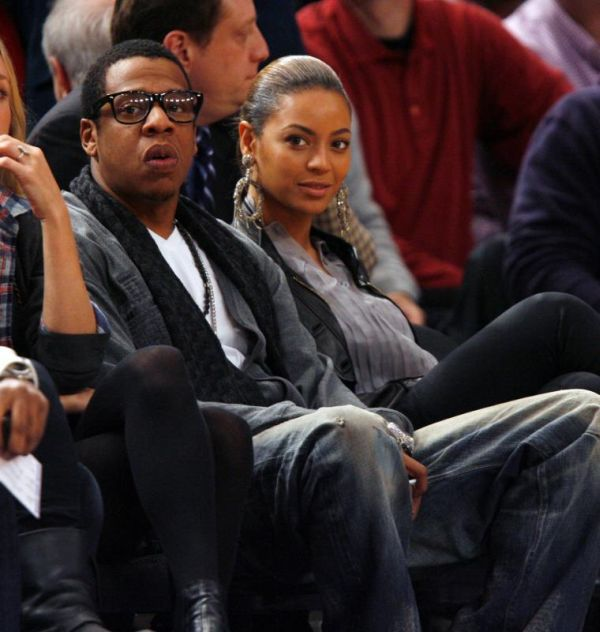 Celebrities Are Sports Fans Too (40 pics)