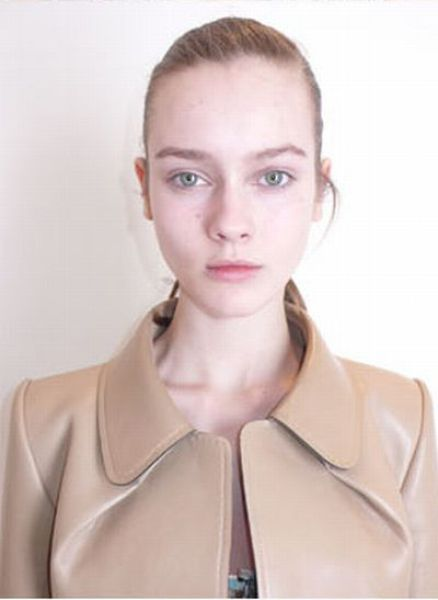 Louis Vuitton Model without Make-Up (51 pics)