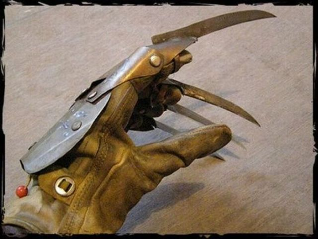 Freddy Krueger's Glove He Wore in A Nightmare on Elm Street II (18 pics)