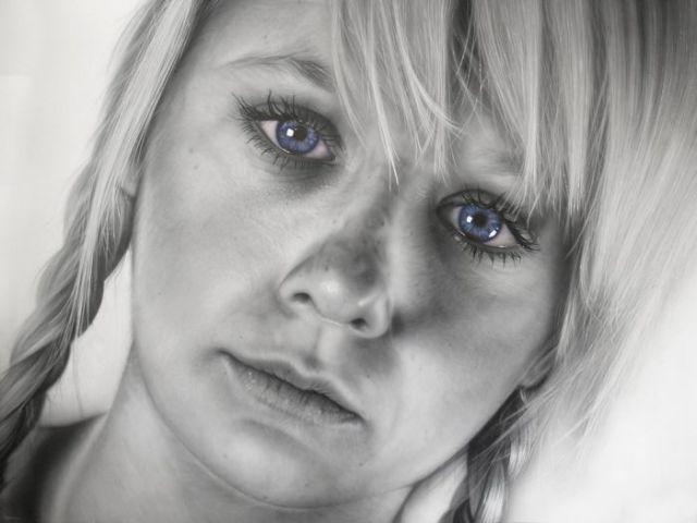 Hyper Realistic Human Portraits (14 pics)