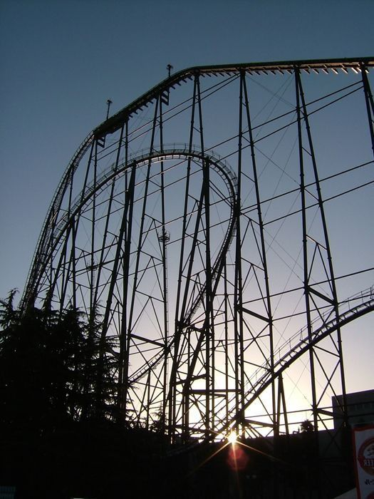The World's Scariest Roller Coasters (16 pics)