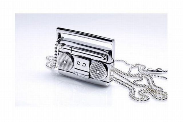Awesome Music Theme Jewelry (13 pics)