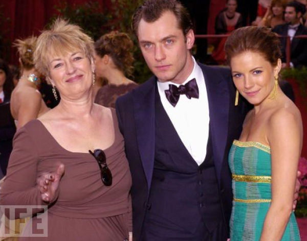 Celebs and Theirs Mothers. Part 2 (22 pics)
