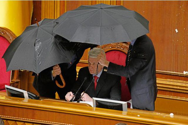 """Fight Club"" at the Ukrainian Parliament (22 pics)"